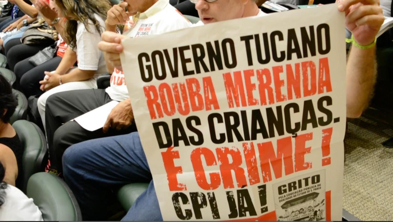 Em terra de LADRÃO DE MERENDA, vai preso quem defende moradia