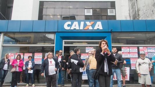 Empregados e entidades representativas repudiam reajustes no Saúde Caixa