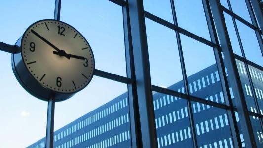 Gerente da Caixa sem poder de mando e gestão terá direito a hora extra