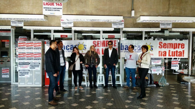 Santander, os Bancários brasileiros exigem respeito e valorização!