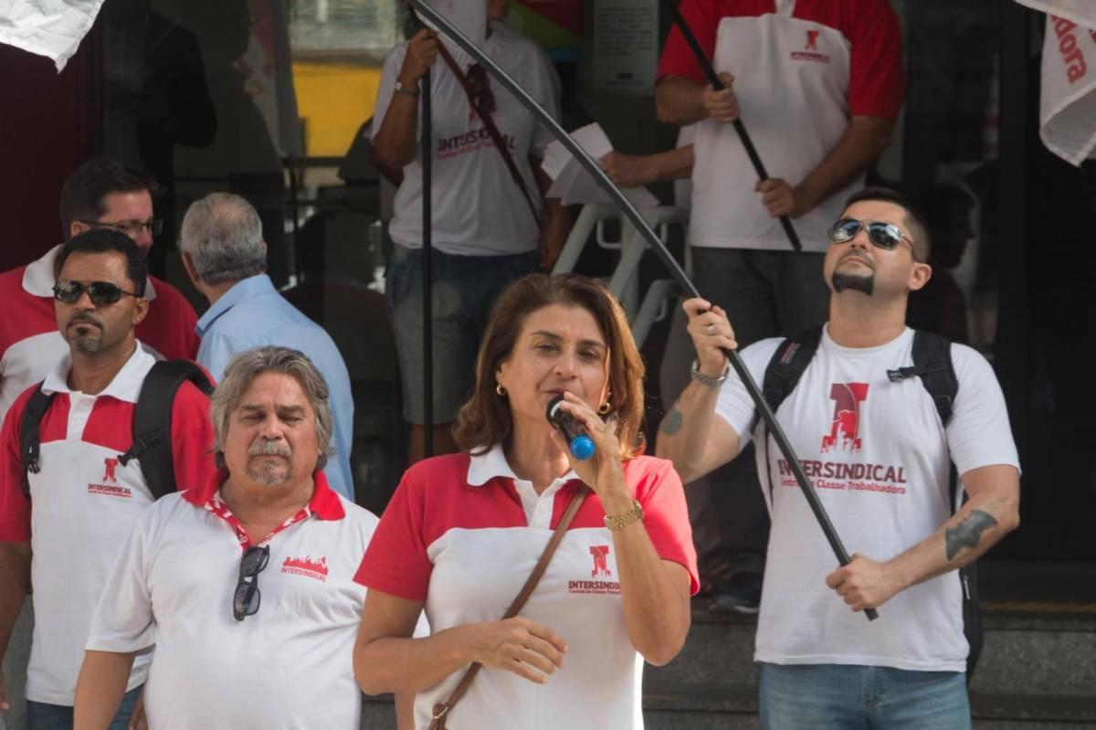 Bancários cobram Santander sobre mudanças no plano de saúde