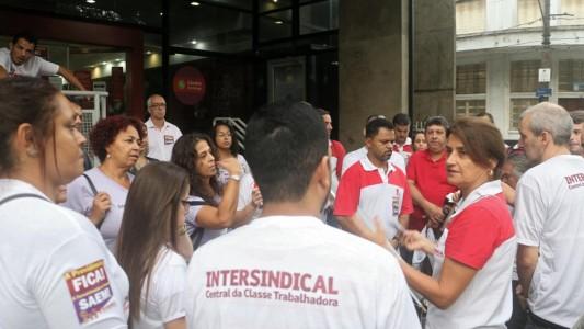 Bancários fecham agências de Santos nesta sexta, 31, contra fim de direitos