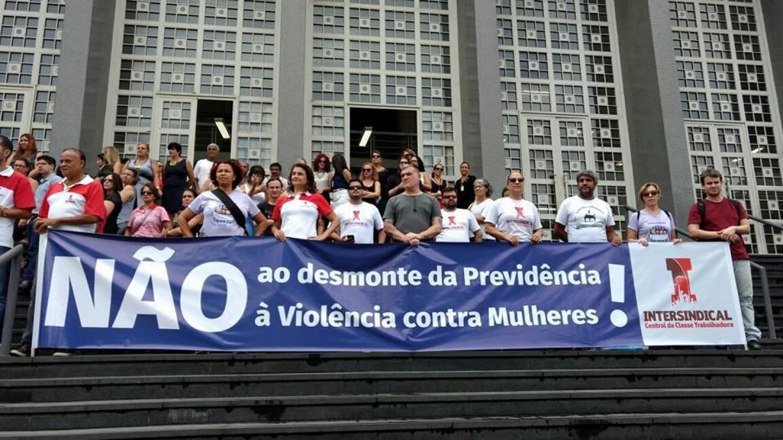 Justiça suspende anúncios do governo sobre reforma da Previdência