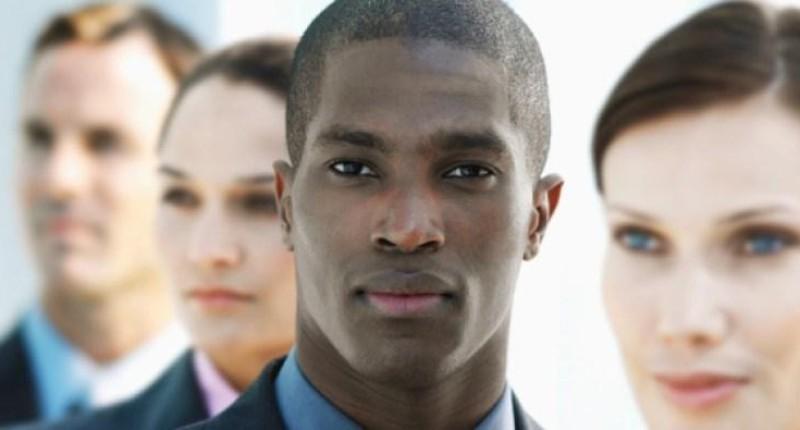 Negros e pardos sofrem mais com desemprego