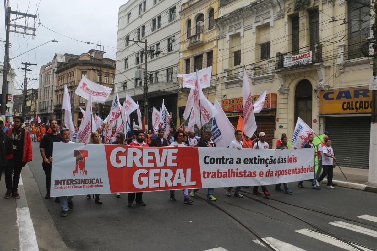 Greve geral no Brasil: a volta da centralidade do trabalho
