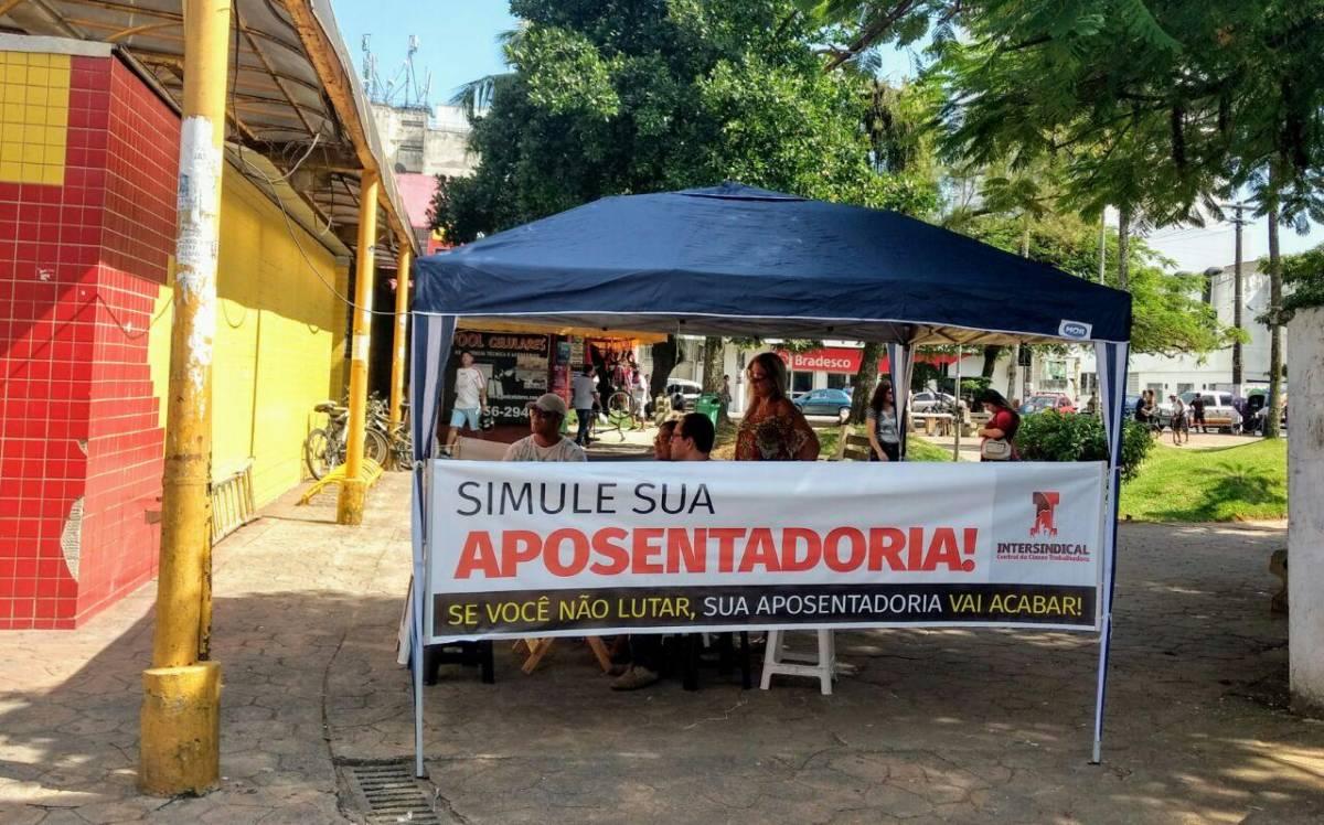 Sindicato monta tenda contra desmonte da Previdência em São Vicente