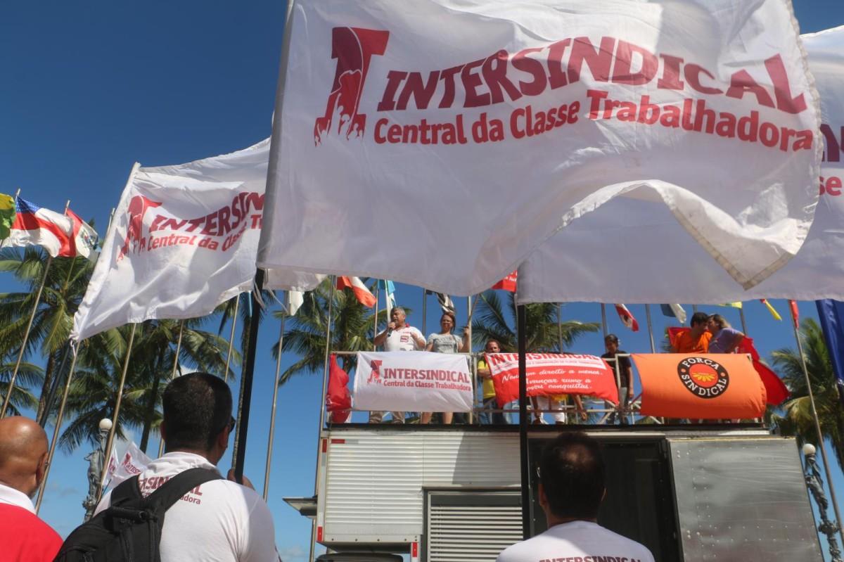 """1º de Maio contra as """"reformas"""" do governo e congresso golpistas"""