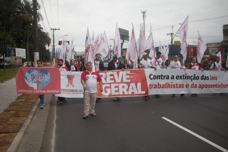 Greve Geral na Baixada Santista contra o fim da CLT e da aposentadoria