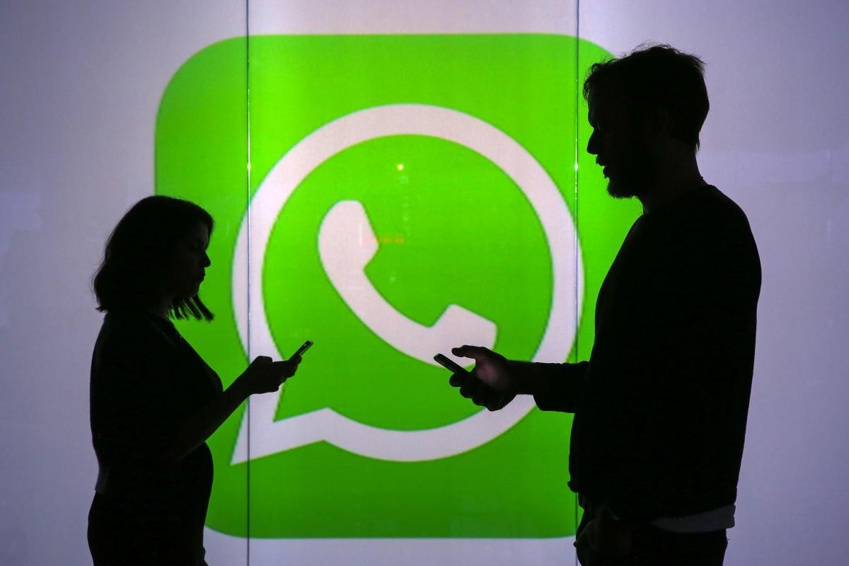 WhatsApp no trabalho: assédio, hora extra e justa causa