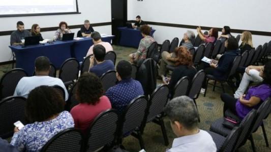 Santander: Encontro de Bancários aprova plano de lutas específico
