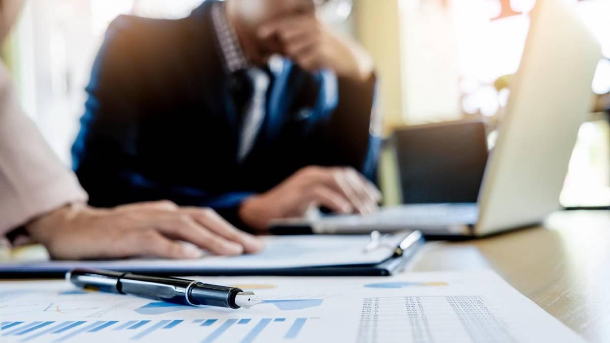 Bancário tem período de estágio reconhecido como de emprego