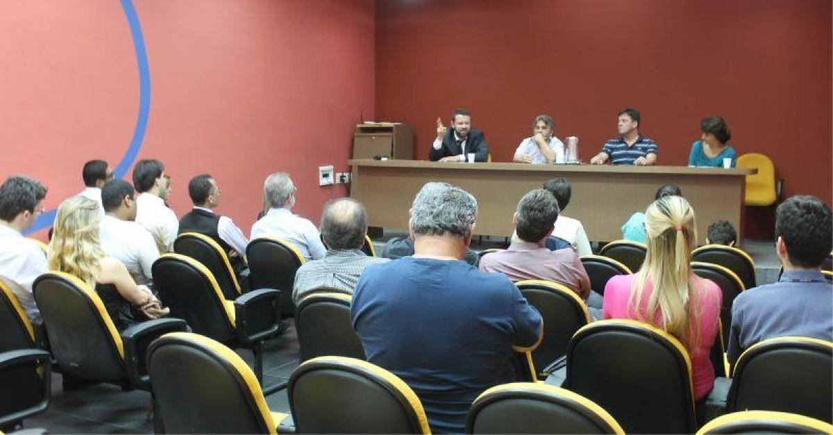 Plenárias sobre as reestruturações e PDV da Caixa e BB