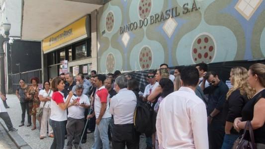 Banco do Brasil reduz salário e ainda dificulta empréstimo