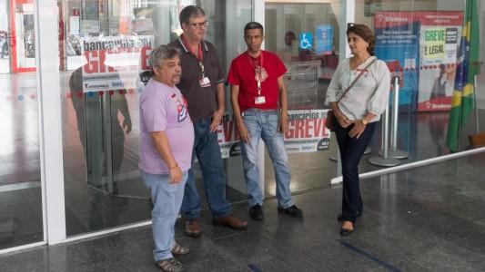 Reunião com Bradesco discute PDVE e diversos problemas