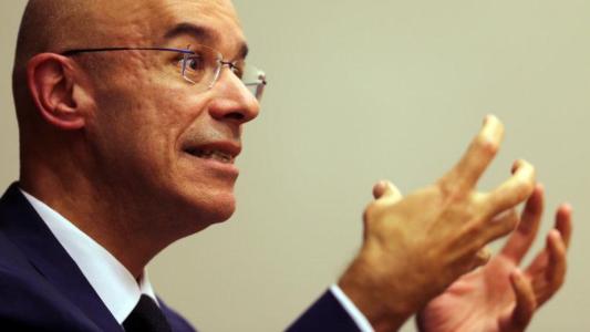 Santander prevê a agência do futuro sem Bancários ou segurança