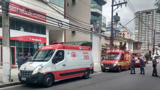 Vigilante tenta suicídio no Bradesco, em Santos/SP