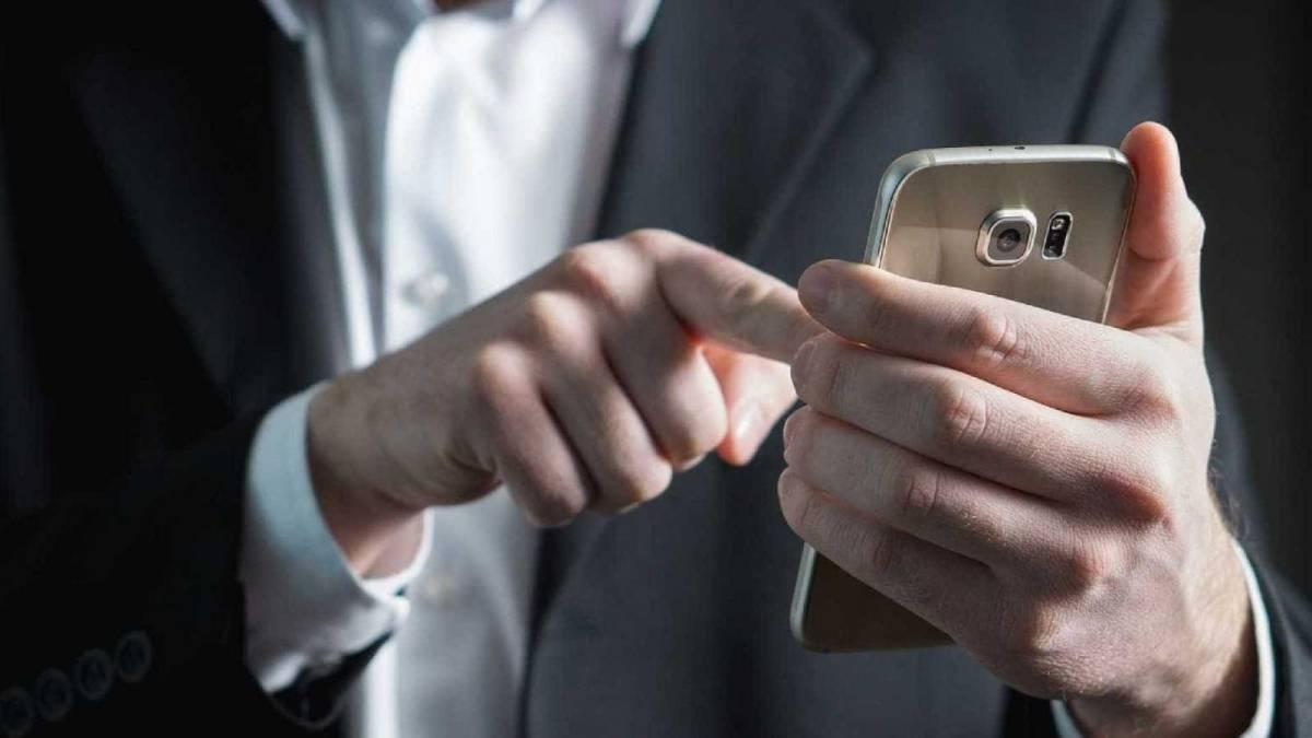 SMS é motivo de demissão no Bradesco
