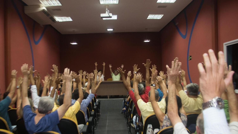 Bancários de Santos e Região aprovam contribuição sindical e luta!