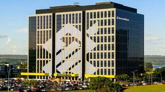 Banco do Brasil anuncia corte em cargos de direção