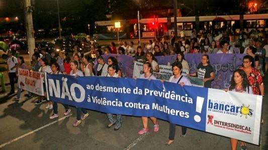 Coletivo de Bancárias participa de Ato no Dia Internacional da Mulher
