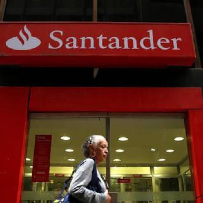 Santander é condenado após jovem aprendiz cumprir jornada de bancária