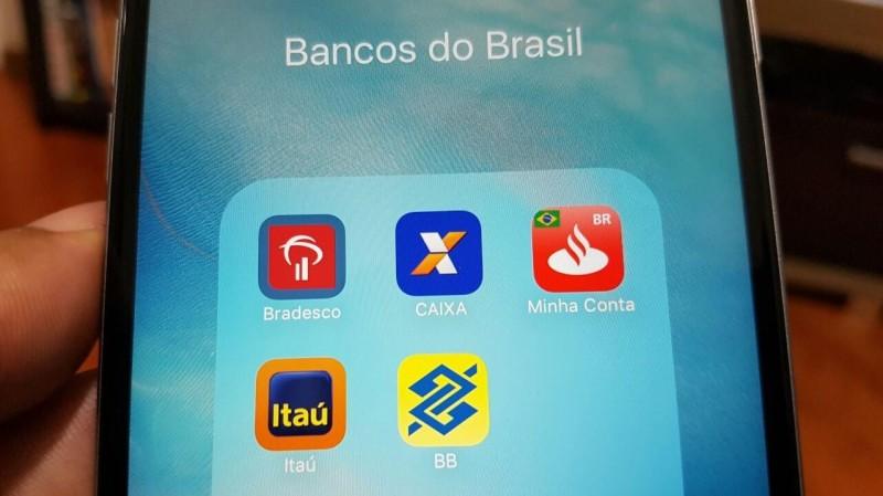 Bancos investem R$ 20 bilhões para demitir 16 mil