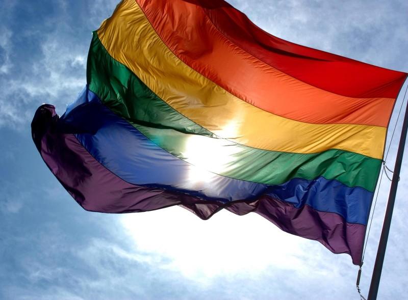 O desmonte de direitos e a população LGBT