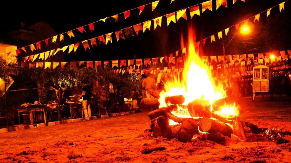 [Santander obriga a viajar e pagar Festa em Mongaguá!]