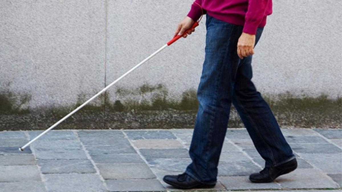 Santander demite bancário cego e doente