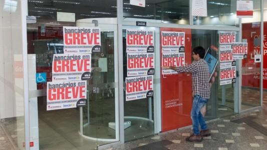 Bancos se recusam a garantir empregos