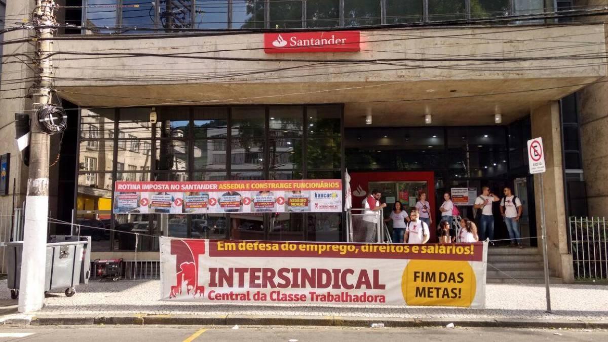 Santander massacra bancários com metas incontroláveis