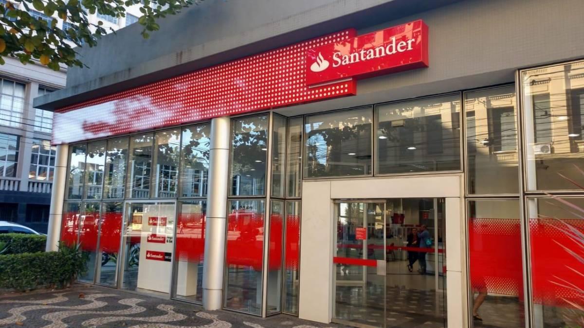 Sem segurança, virou moda roubar do Santander Coliseu em Santos/SP