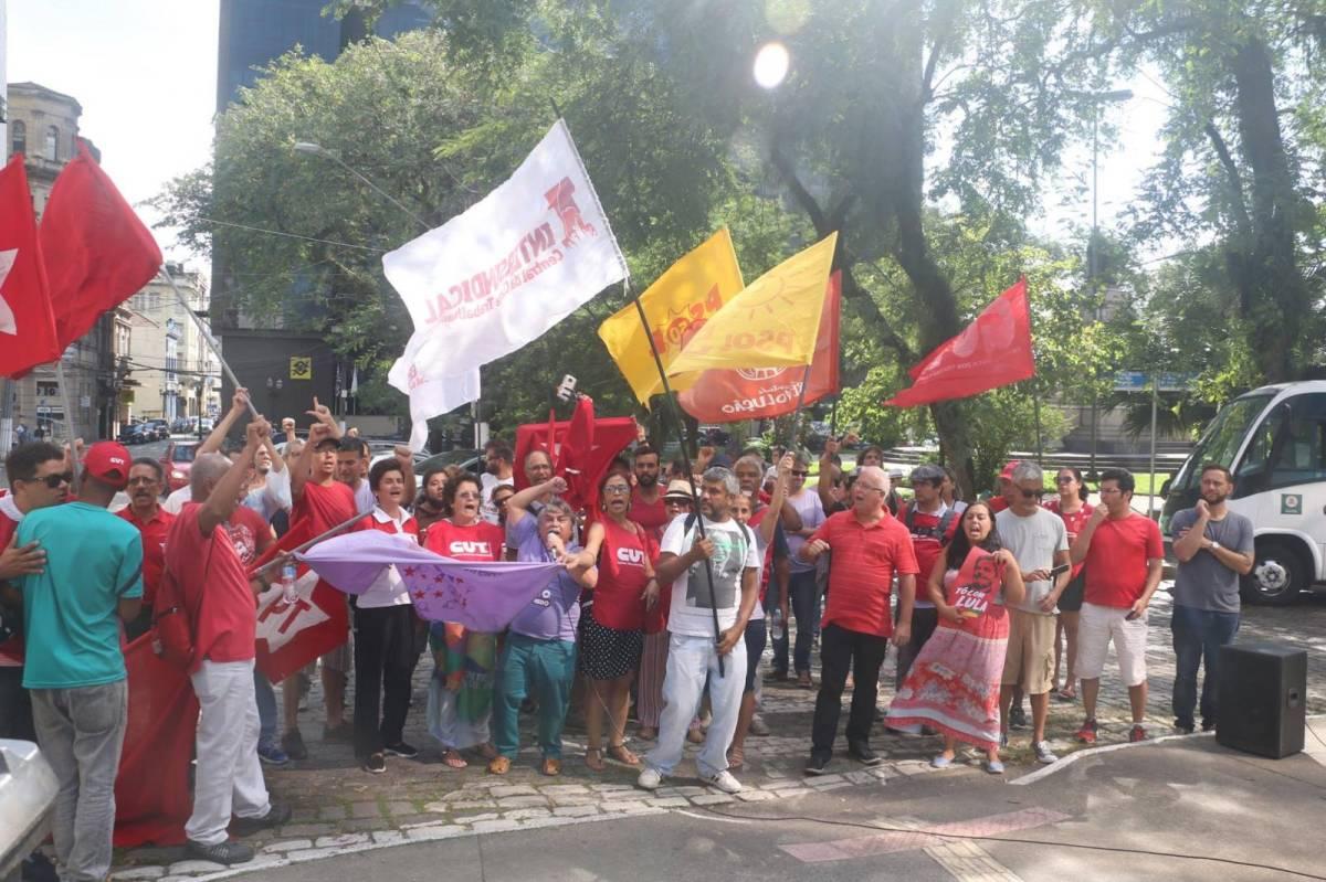 Ato em frente à Justiça Federal - Marielle Vive / Lula Livre