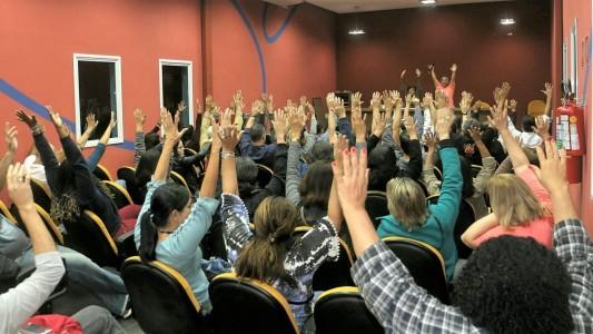 Bancários e bancárias da Baixada rejeitam proposta apresentada pela Fenaban!