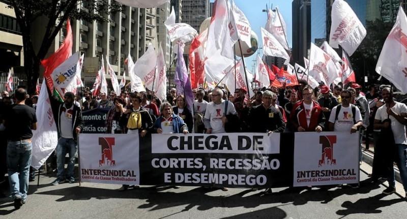 Proposta Fenaban: Baixo reajuste e retirada de direitos