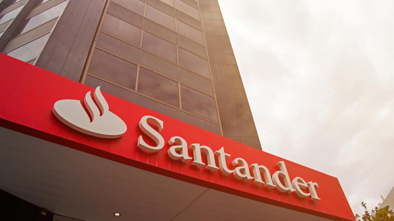 Fiscalização autua Santander em R$ 5,3 milhões por descumprir leis trabalhistas