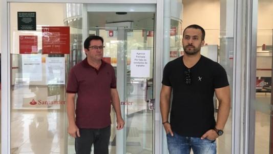 Agência Santander em Guarujá é fechada por não ter condições de trabalho