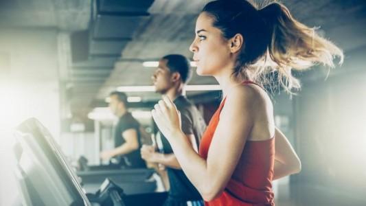 Entenda como os exercícios físicos auxiliam no combate à depressão