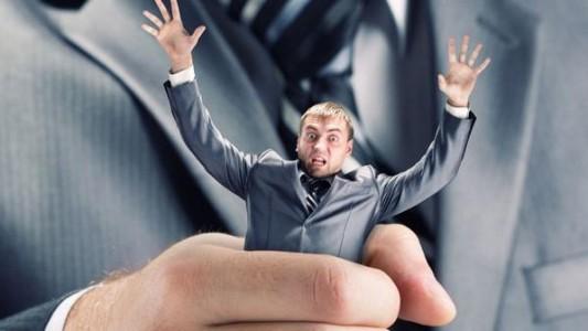 10 sinais de que seu gerente é um PSICOPATA