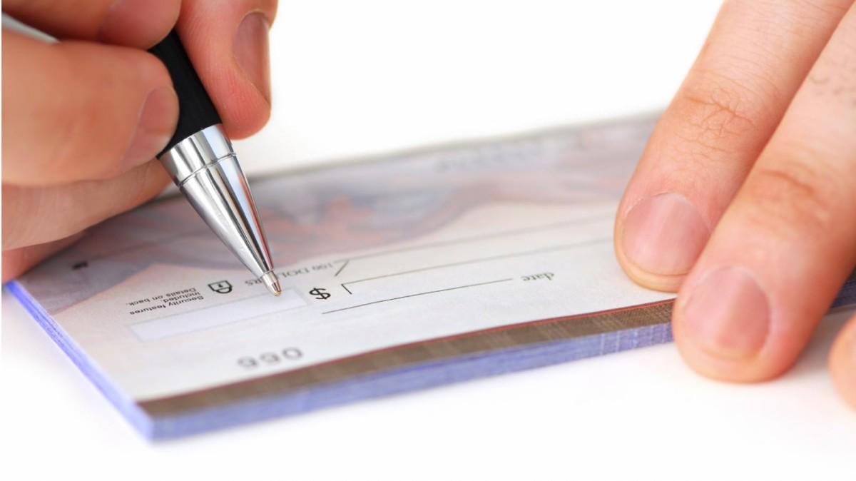 Pagamento com cheque é regulamentado no Senado