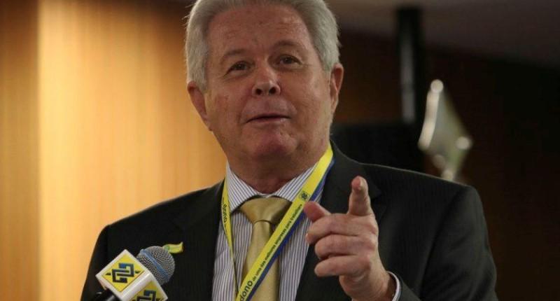 Rubem Novaes toma posse no comando do Banco do Brasil
