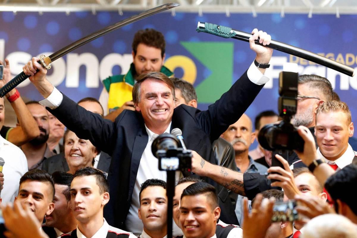 Reforma da Previdência de Bolsonaro CORTA abono do PIS/Pasep de 23 milhões de trabalhadores