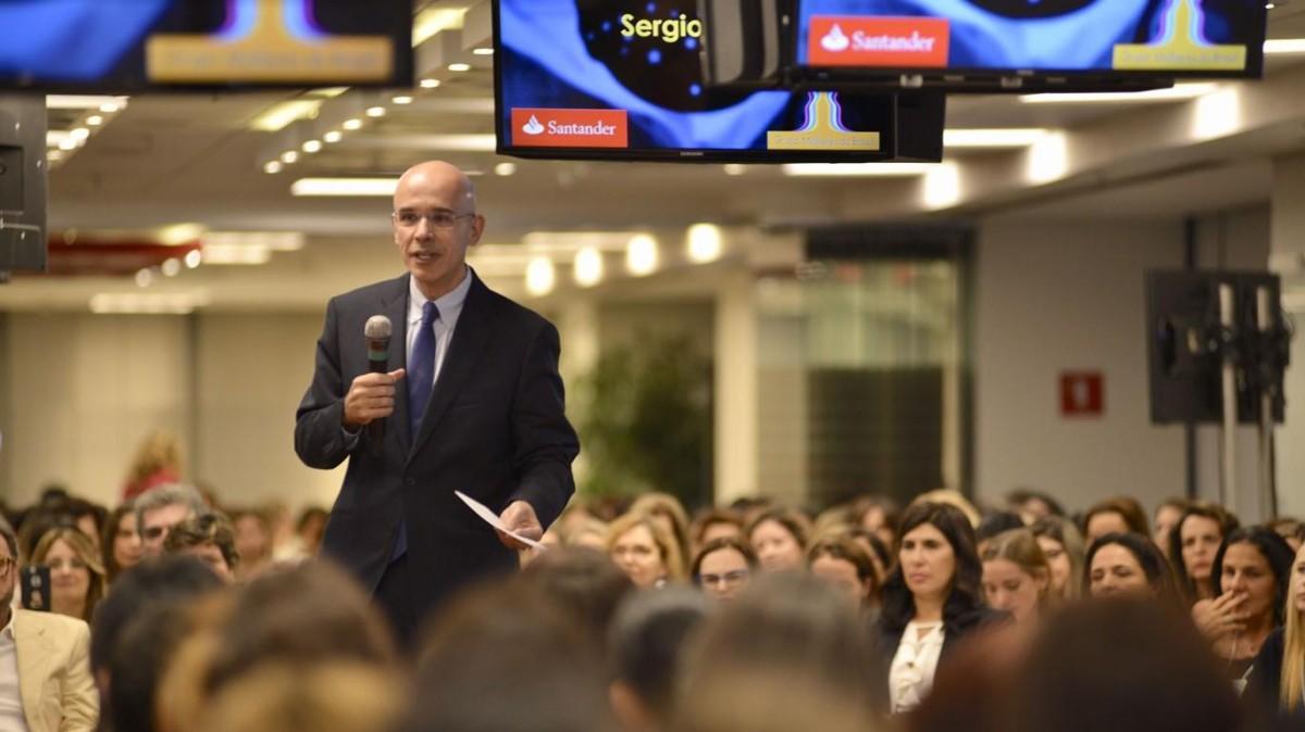 Sérgio Rial ameaça demitir trabalhadores sem CPA-10