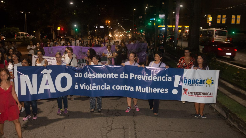 Mulheres Marchando por um Novo Dia!