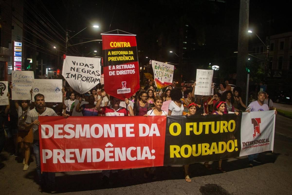 Reforma retira Previdência da Constituição e facilita retirar mais direitos
