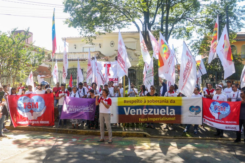 Intersindical realiza ato em defesa da soberania venezuelana