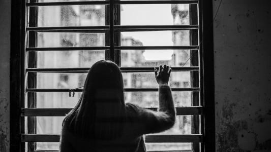 Lei institui política nacional de prevenção da automutilação e do suicídio