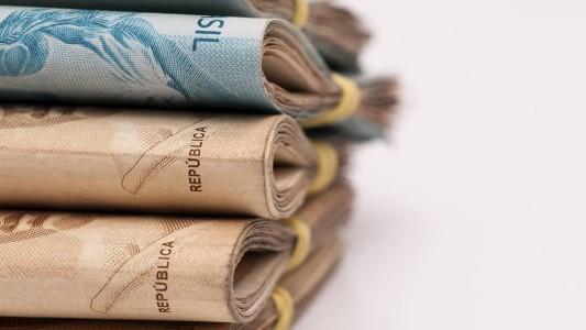 Executivo ganha 832 vezes mais que escriturário em bancos