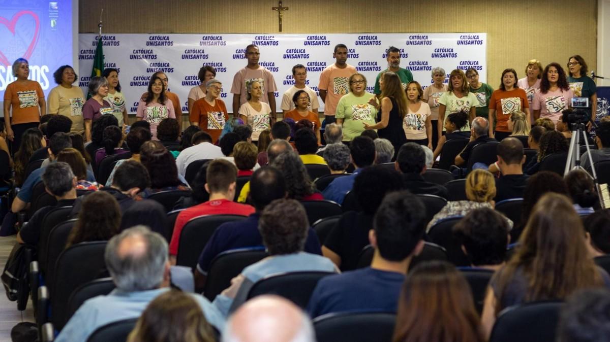 Grupo Vozes faz pré-estreia do projeto