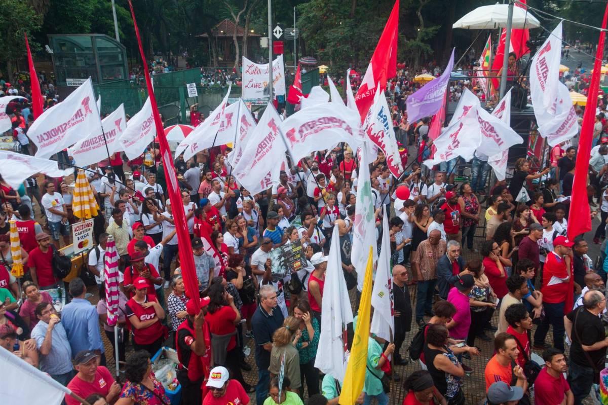 Bolsonaro pretende prolongar carga horária dos bancários